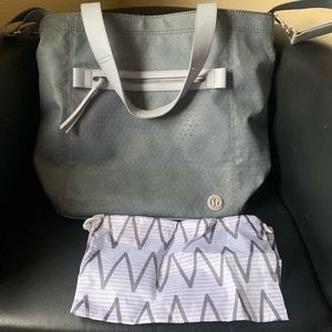 Lululemon Out and About tote, beautiful gray/blue